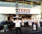 62 Books - September 12th 1998 - Tesco Sheffield  balanced 62 copies of the Guinness Book of Records in a single column